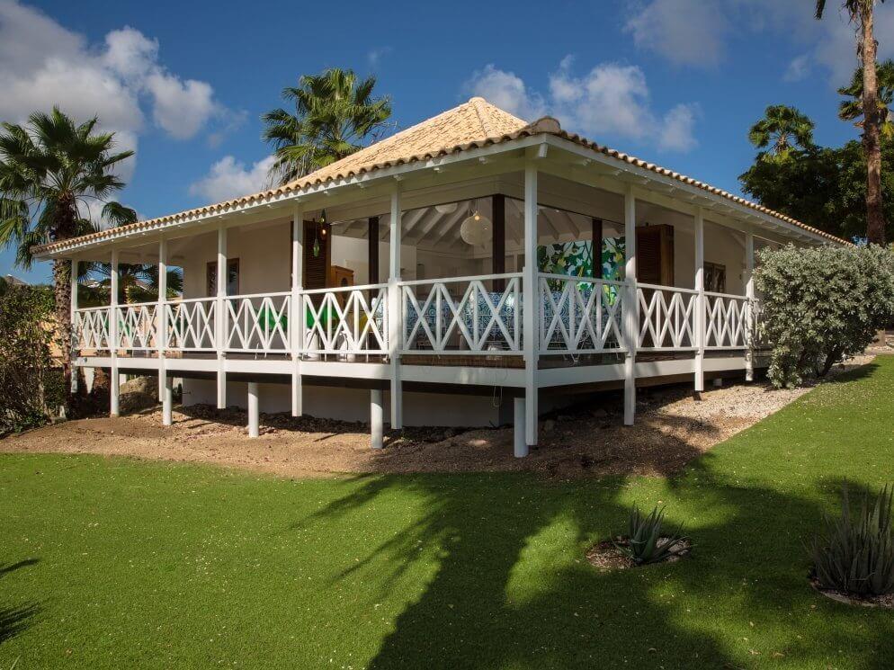 Appartement gras palmboom lucht
