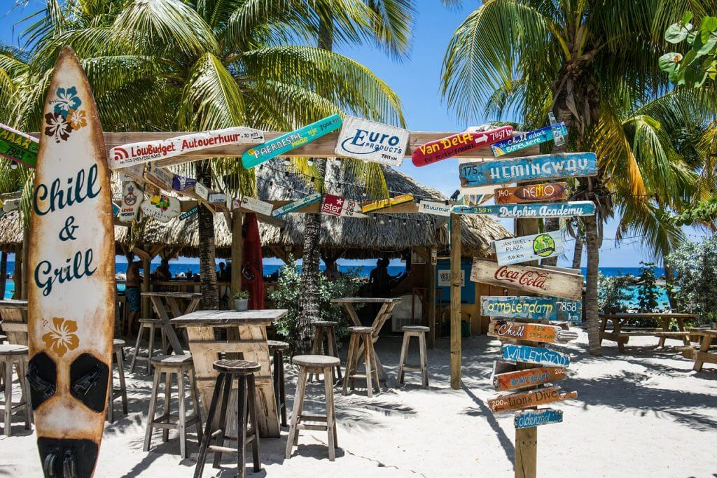 Mambo Beach Restaurants